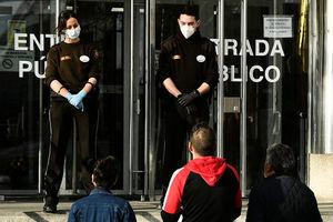 【疫情透視】西班牙中共肺炎病例激增的背後
