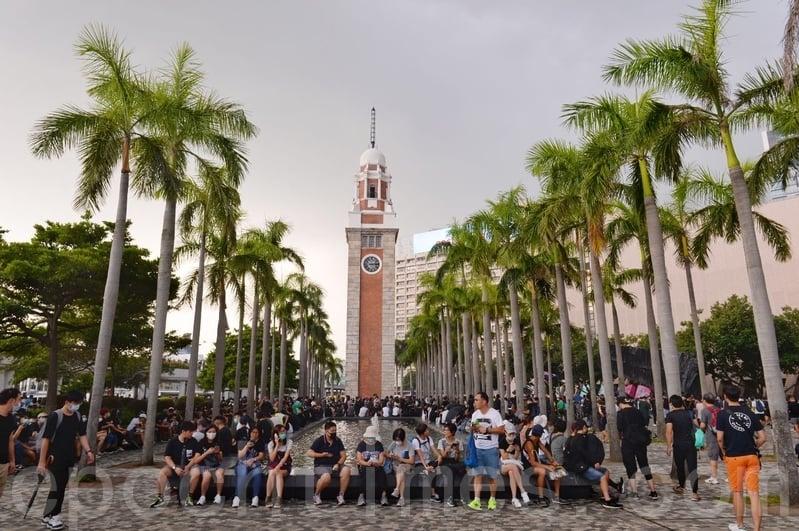 組圖:10·12 港民「反緊急法」遊行