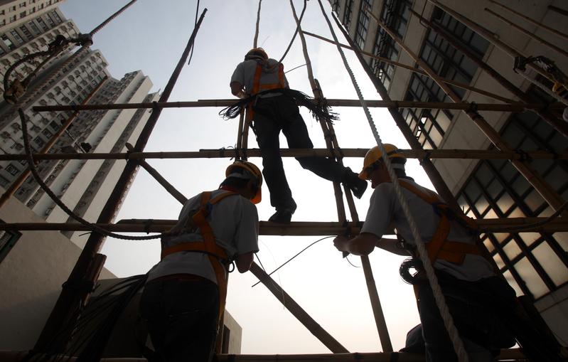 「禁工令」猝不及防 建築業面臨現金流危機