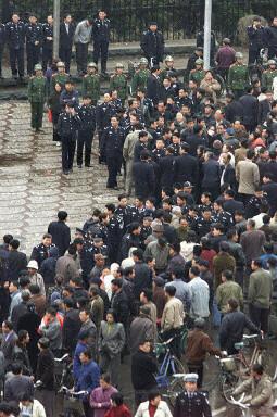 9月23日,前財政部副部長朱光耀表示,國內經濟下滑,導致失業人口增加。(Getty Images)