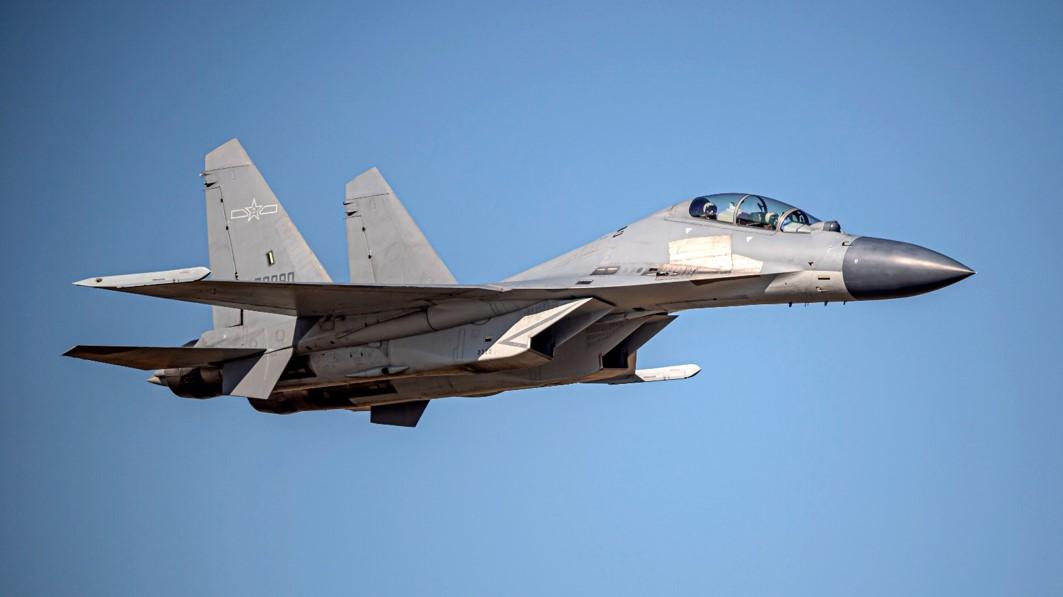 2021年3月26日,中共總計出動20架軍機騷擾台海,包括10架殲-16多用途戰鬥機。殲-16仿製了俄羅斯的Su-30戰機。(台灣國防部)
