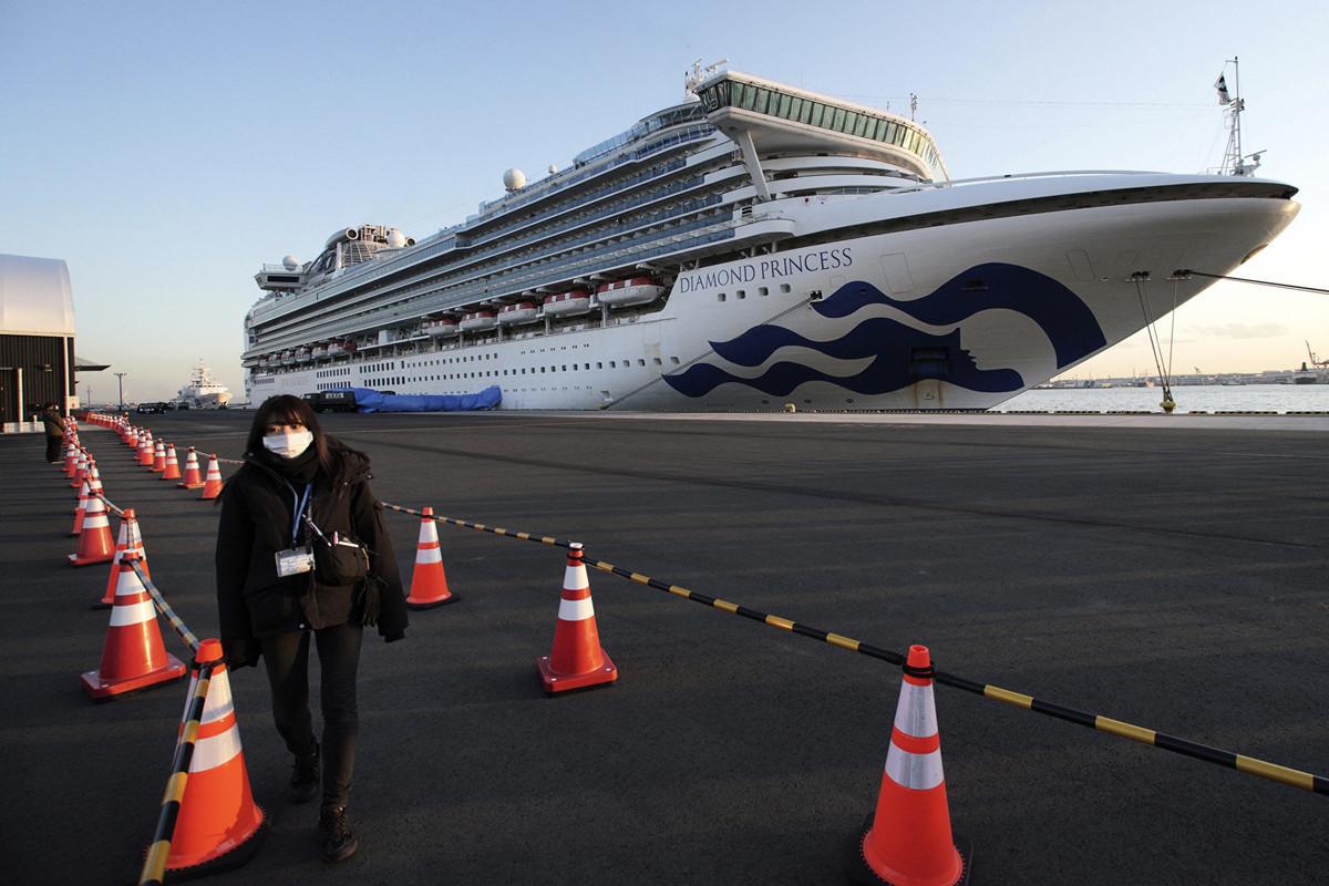 2020年2月份,日本鑽石公主號郵輪上有乘客染疫,整艘郵輪被迫停在橫濱港隔離。(加通社)