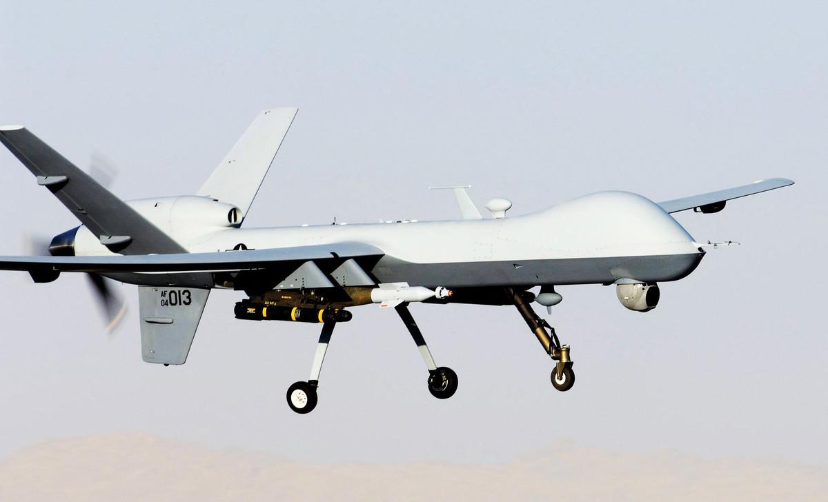 阿富汗當地時間8月28日,美國軍方對伊斯蘭國(ISIS)進行了反擊,擊斃一名ISIS-K的策劃頭目。ISIS26日在喀布爾機場引發兩宗自殺式爆炸,造成多達169名阿富汗人和13名美國軍人死亡。圖為美軍的MQ-9死神無人機。(美國空軍)