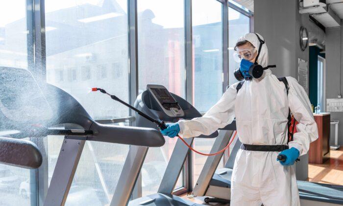 科學家表示,有些消毒劑已發現與哮喘和其它呼吸系統疾病、生育以及神經和皮膚問題有關。(Shutterstock)