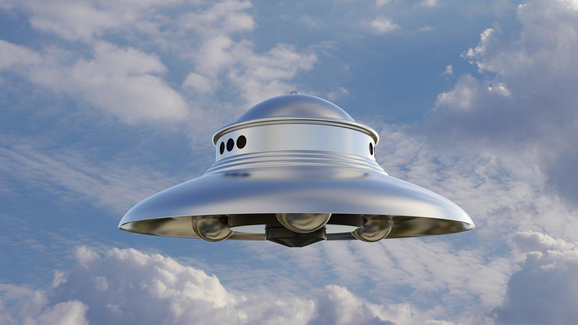 美國國家UFO報告中心的資料顯示,今年的UFO目擊事件比去年增加了一半左右。圖為UFO示意圖。(Pixabay)