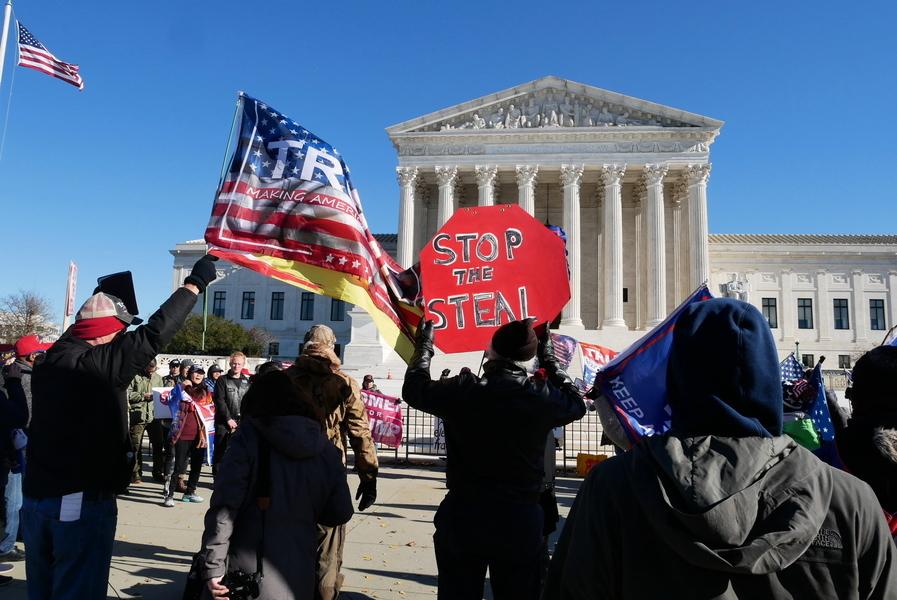 聯邦最高法院前集會 籲受理賓州選舉訴訟