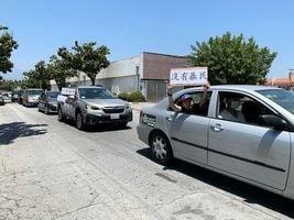 洛杉磯華人區現紀念六四的民主車隊
