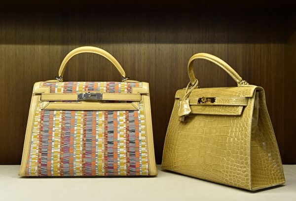 兩款Hermès包。(STAN HONDA/AFP/Getty Images)