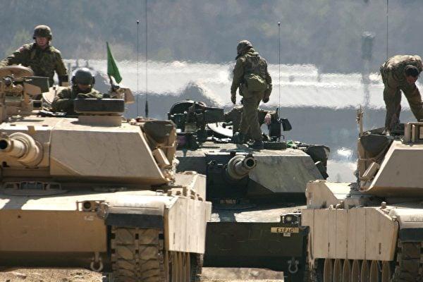 伊朗二號頭目被美國擊斃後,兩國局勢升級。媒體報導稱,美國正在向中東派駐更多軍隊。圖為美軍演習。(維基百科公有領域)