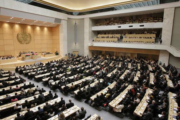 《日經亞洲評論》2月20日刊登評論文章說,不要讓中共開始主導聯合國機構,西方國家和日本必須阻止北京按照它的造型重塑世界。圖為世界衛生組織總幹事選舉現場。(FABRICE COFFRINI/AFP/Getty Images)