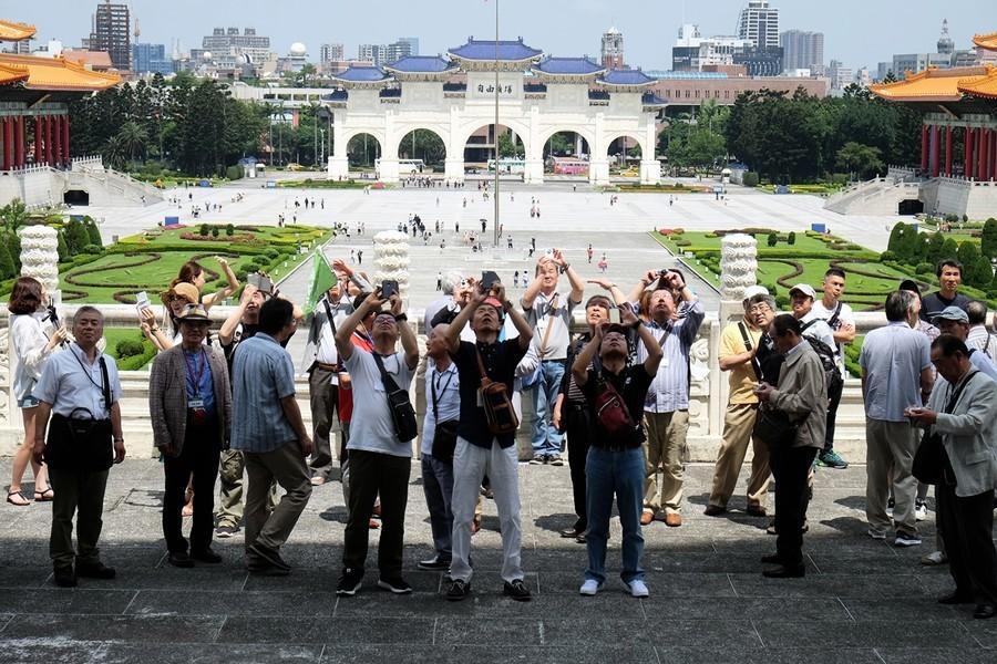 中共暫停赴台自由行 外媒:總統大選前施壓