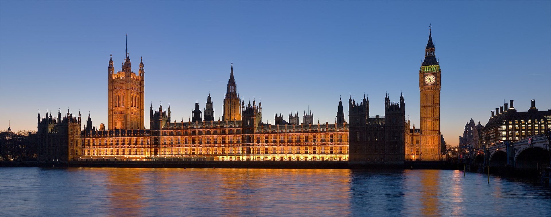 圖為位於英國倫敦 西敏市的西敏宮(國會大廈)。(Diliff/維基百科)