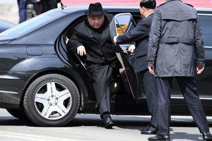 專家:金正恩可能在視察導彈試射時受傷