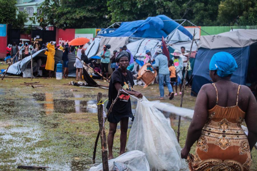 海地強震又遭風暴襲擊 逾兩千人死亡(多圖)
