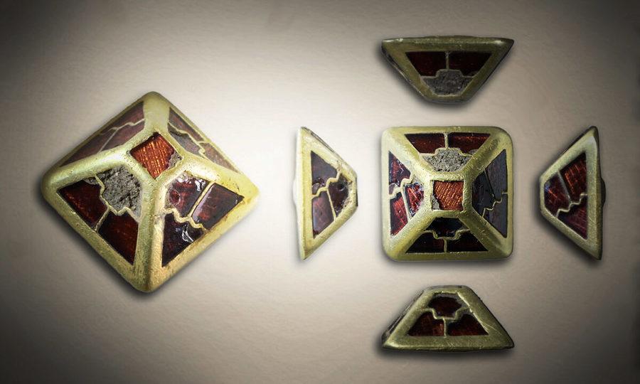 英國中世紀佩劍飾物出土 嵌有美麗寶石