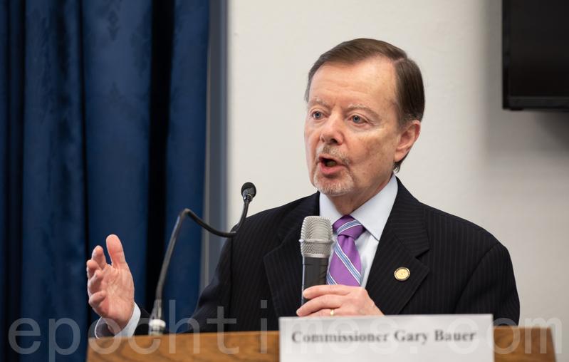 2019年4月25日,紀念「四二五」和平上訪二十周年研討會在美國國會舉辦。美國國際宗教自由委員會(United States Commission on International Religious Freedom)委員加裏·鮑爾(Gary Bauer)在現場發言。(林樂予/大紀元)