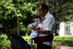 中國人口出生率70年新低 男較女多逾3千萬人