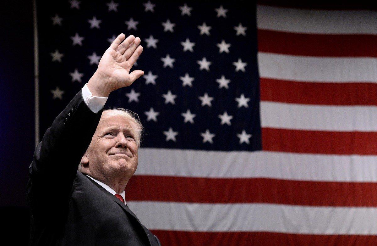 2017年特朗普上任不久,調整美國對外戰略,將中共作為美國頭號威脅和戰略對手。(Olivier Douliery-Pool via Getty Images)