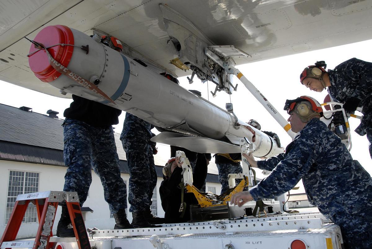 美國新售台的AGM-84H增程型距外陸攻導彈(SLAM-ER)。(美國海軍航空系統司令部官網)