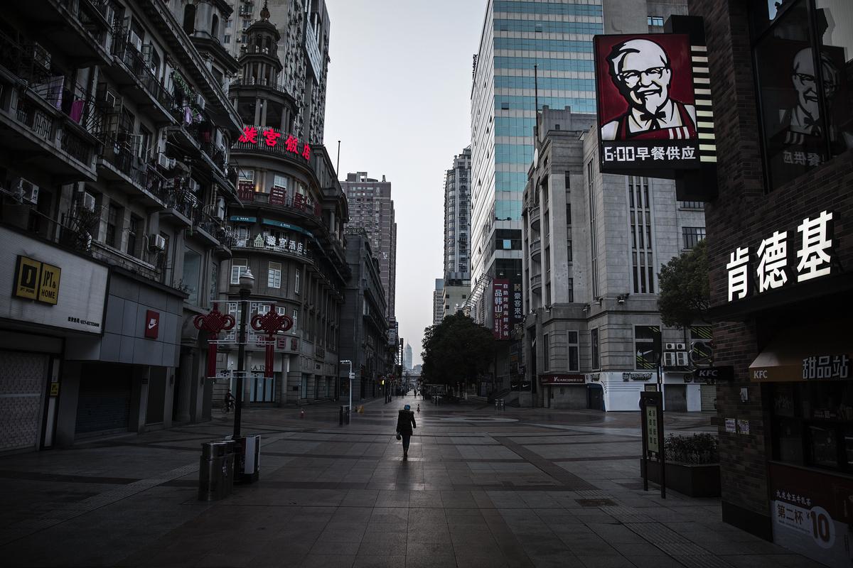 2020年1月23日武漢封城後街上空蕩蕩。(Stringer/Getty Images)