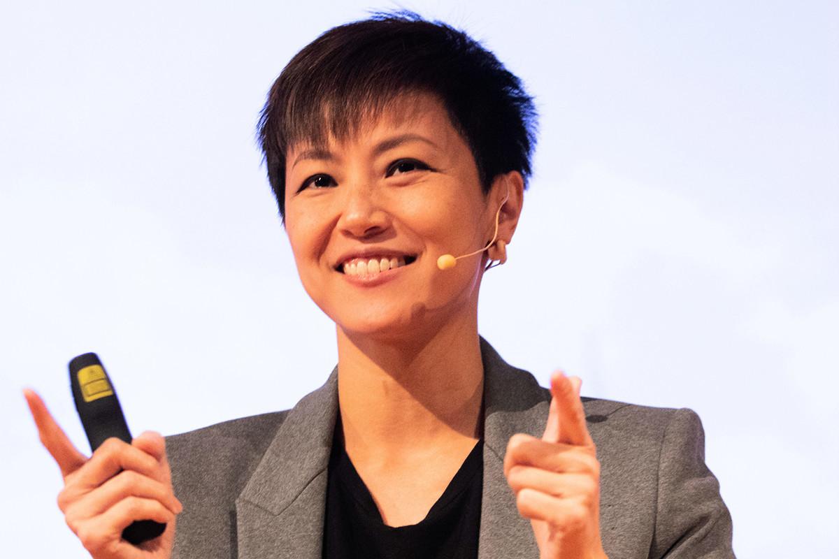 香港歌手何韻詩於10月11日在倫敦舉行的演唱會中獻唱《願榮光歸香港》。圖為2019年9月4日,何韻詩在澳洲墨爾本演講香港反送中真相。(Asanka Ratnayake/Getty Images)