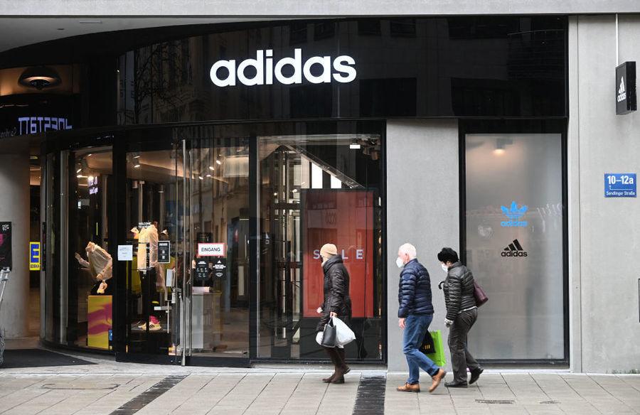 封鎖重創生意 德國Adidas去年利潤大跌78%