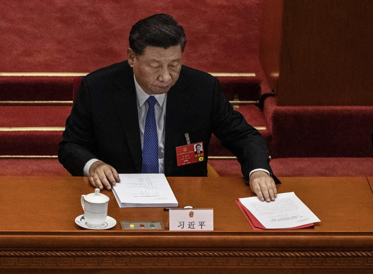 學者認為,在中共內外交困之際,《求是》重刊習近平談馬克思主義政治經濟學老調,或為重回計劃經濟做準備。(Kevin Frayer/Getty Images)