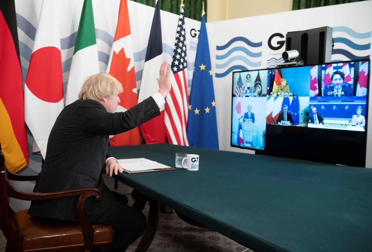 2021年2月19日,英國首相鮑里斯·約翰遜(Boris Johnson)在倫敦唐寧街的內閣會議室舉行G7領導人虛擬會議。(GEOFF PUGH/POOL/AFP via Getty Images)