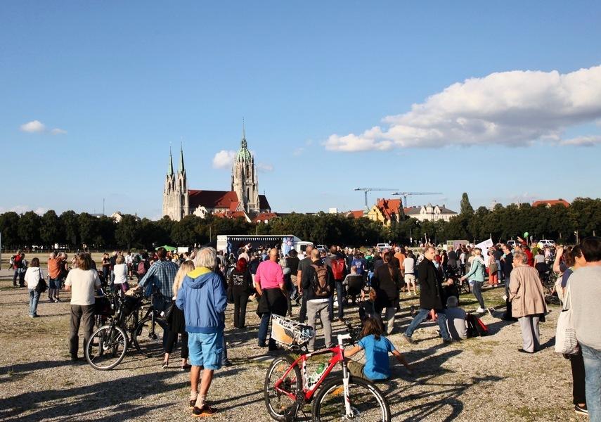 不滿停辦啤酒節 慕尼黑人抗議過嚴防疫措施