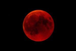 超級血狼月周日現天宇 如何觀賞三合一奇景