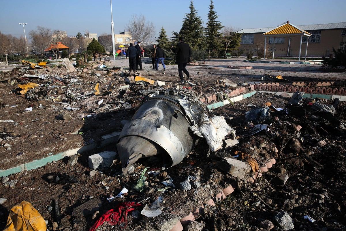多國譴責烏克蘭客機遭到伊朗導彈襲擊,而發生墜機。伊朗1月10日表示,想要自己處理黑匣子中的數據。(Photo by – / AFP)
