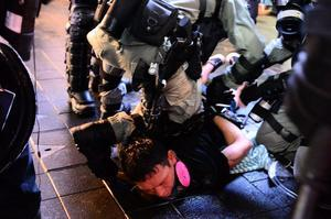 香港市民:共產黨在香港做的事情顛倒黑白