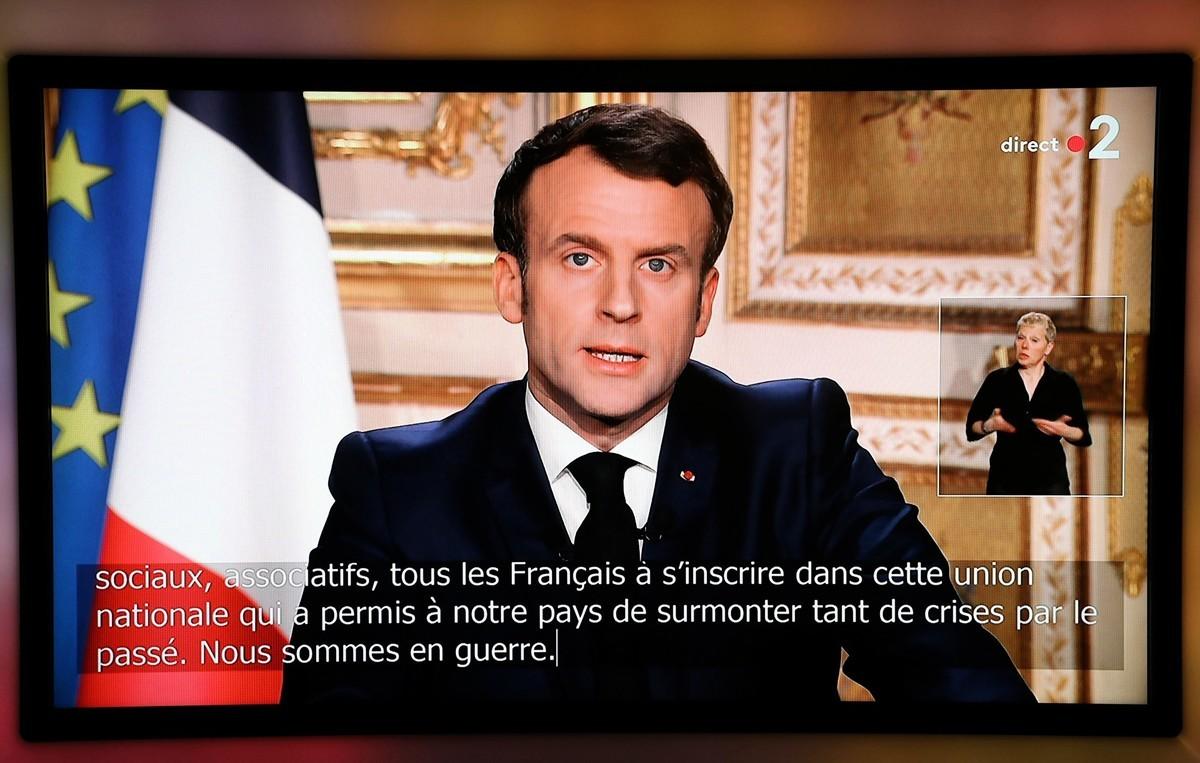 3月16日晚,法國總統馬克龍發表電視講話,宣佈更嚴厲防疫措施。(LUDOVIC MARIN/AFP via Getty Images)