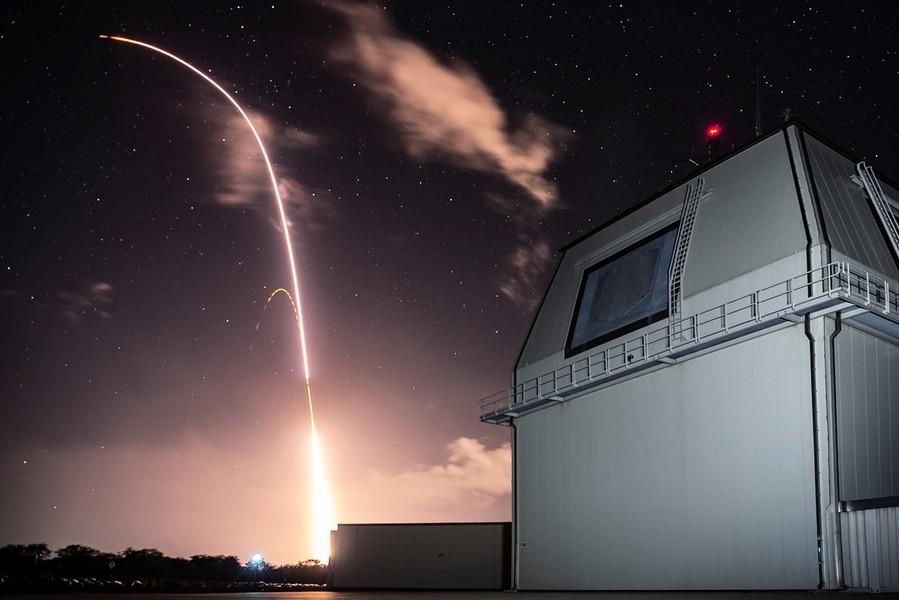 美軍艦擊落洲際彈道導彈 首試成功