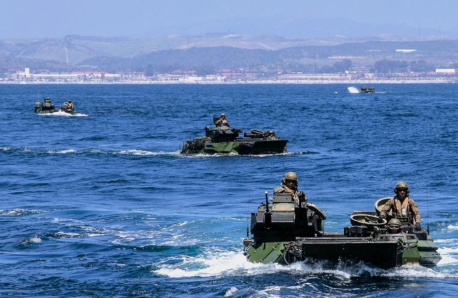 美陸戰隊調整戰略嚇阻中共 英航母赴印太參與軍演