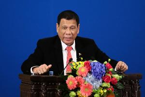 英媒:菲總統在中美間走鋼絲很危險