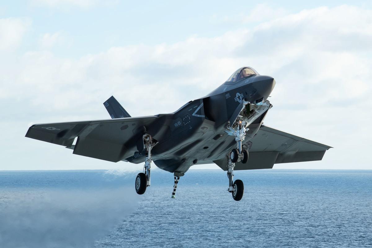 美國海軍已經開始展開第六代艦載戰鬥機的研發工作。圖為第5代艦載戰機F-35C。(U.S. Navy photo by Mass Communication Specialist 3rd Class James Hong/Released)