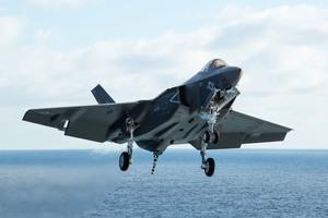 佔據未來空中優勢 美軍研發第六代艦載戰機