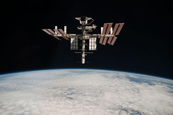 日前,中共高調宣佈「北斗三號全球衛星導航系統正式開通」。該系統被質疑是中共的另類監控系統。圖為資料圖。(Paolo Nespol–ESA/NASA via Getty Images)