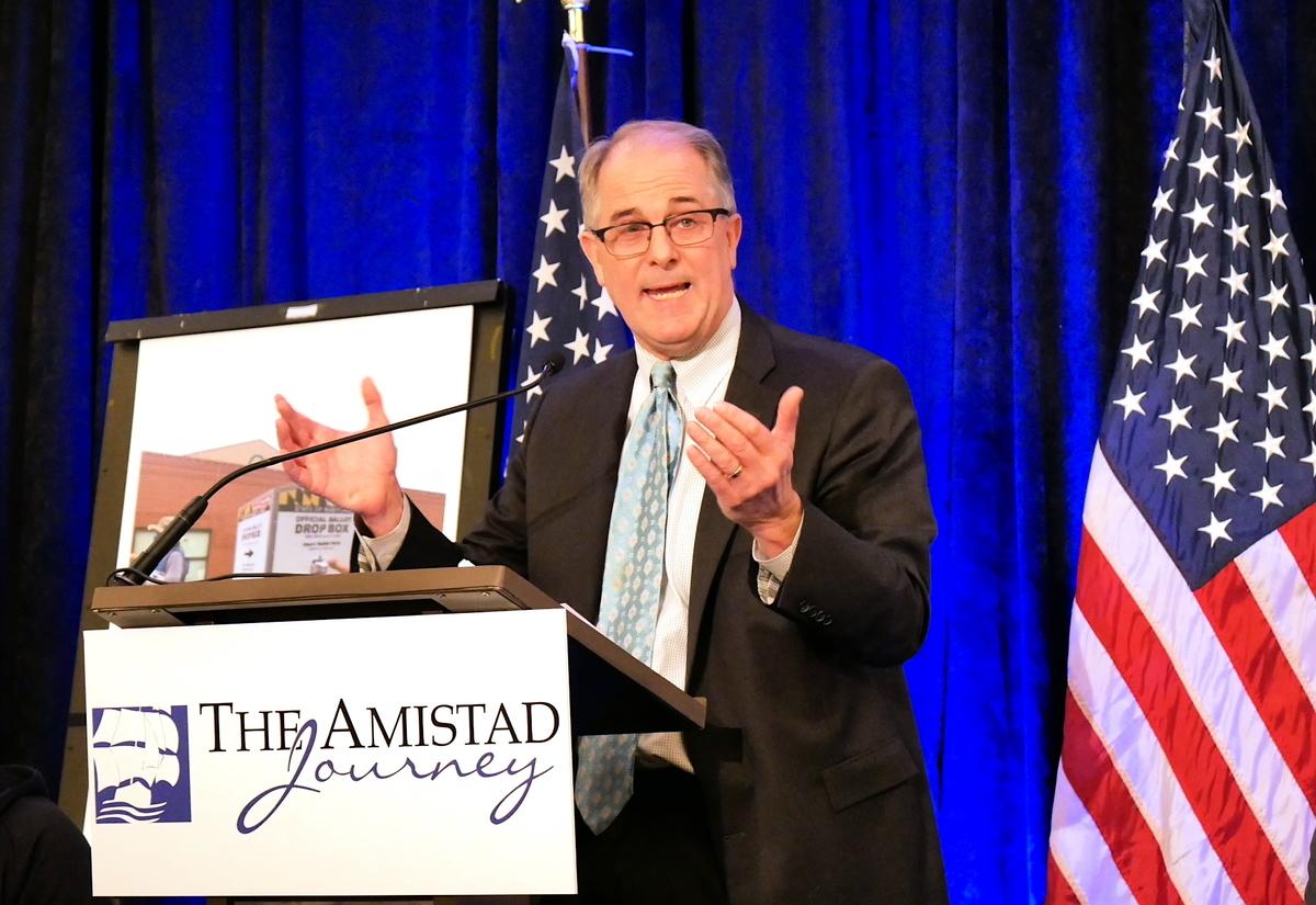 2020年12月1日,托馬斯‧莫爾協會(Thomas More Society)的「阿米斯塔德項目」在美國華府舉行新聞發佈會。圖為該項目主任菲利普‧克萊恩(Phillip Kline)在發言中。(李辰/大紀元)