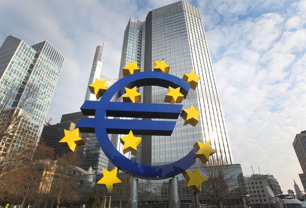 美中貿易戰再度升級。近日,歐洲在貿易問題上有兩個動作支持美國對付中共。(DANIEL ROLAND/AFP/Getty Images)