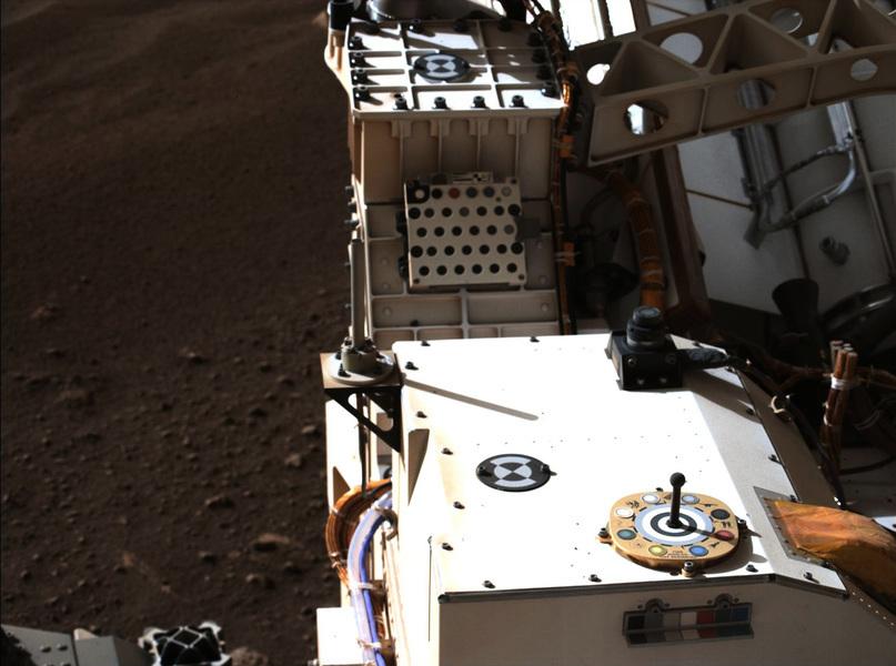 NASA公佈毅力號首段錄音 傳來火星微風聲響