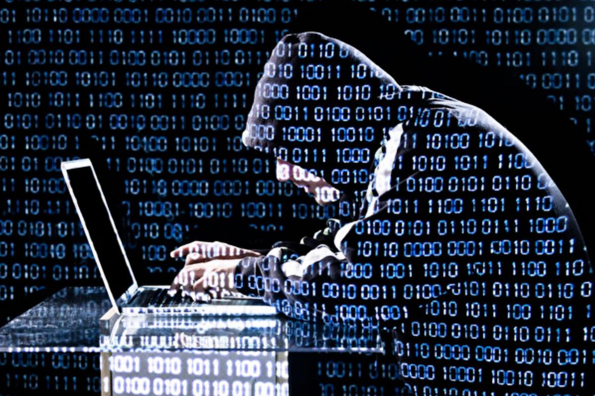 台灣調查局表示,10個台灣政府機構以及4家通訊服務供應商遭到黑客攻擊,許多跡象顯示,黑客攻擊來自中國。黑客示意圖。 (Getty Images)