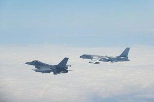 美中機艦頻現台灣海峽 台海局勢趨緊張