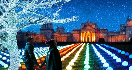 布倫海姆宮的夢幻聖誕燈飾。(布倫海姆宮提供/Blenheim Palace)