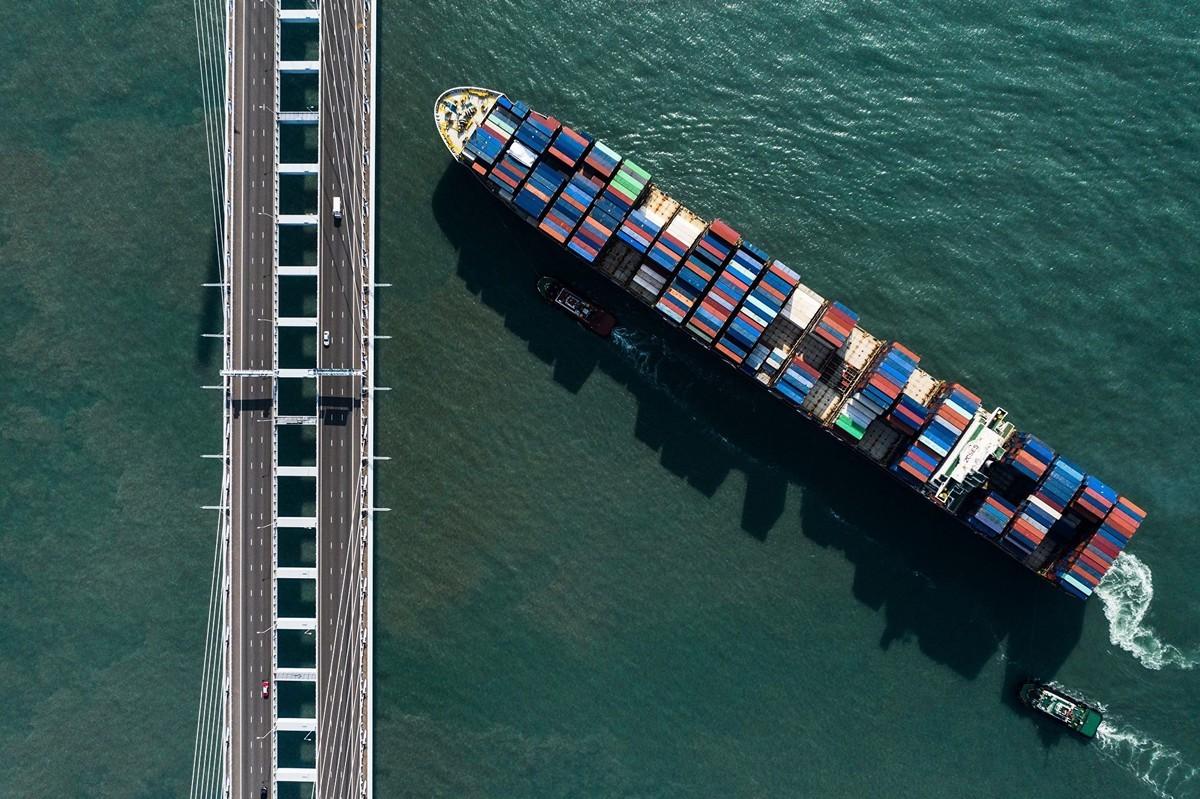 中、美貿易戰陷入僵局,也加大中國經濟危機。(DALE DE LA REY/AFP/Getty Images)