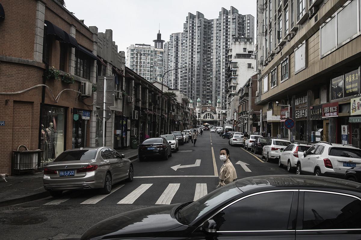官方宣傳武漢復工,但實際街上商店多關閉。圖為4月11日武漢街道。(Getty Images)