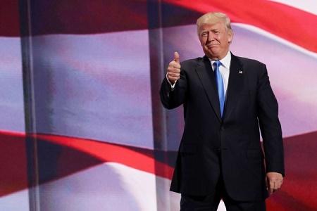 10月23日,《拉斯維加斯評論報》(The Las Vegas Review-Jounral)發文支持特朗普。這是他首次獲得主流大媒體的背書。圖為7月18日共和黨全代會首日,特朗普出現在主席臺。(Somodevilla/Getty Images)