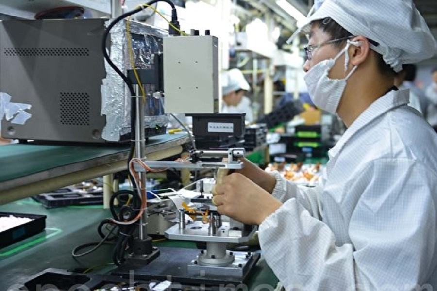 中共統計局和財新4月製造業採購經理人指數(PMI)都呈下滑趨勢,尤其新訂單指數跌幅較大,財新PMI進入衰退區間。(大紀元)