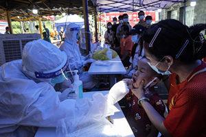 廣州疫情升級 大量醫護人員前往支援